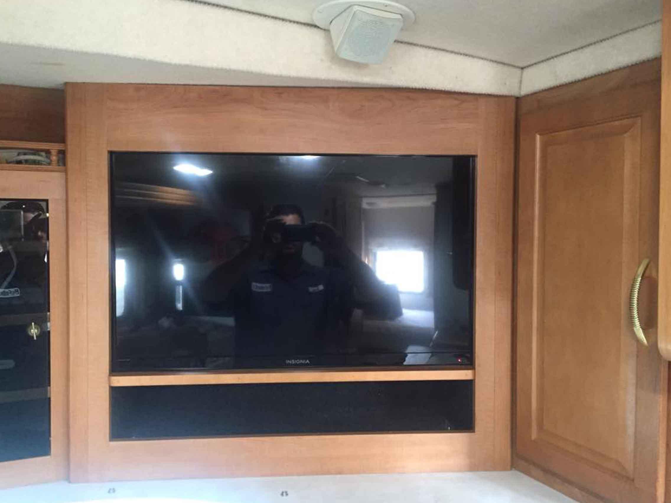 rv-flatscreen-tv