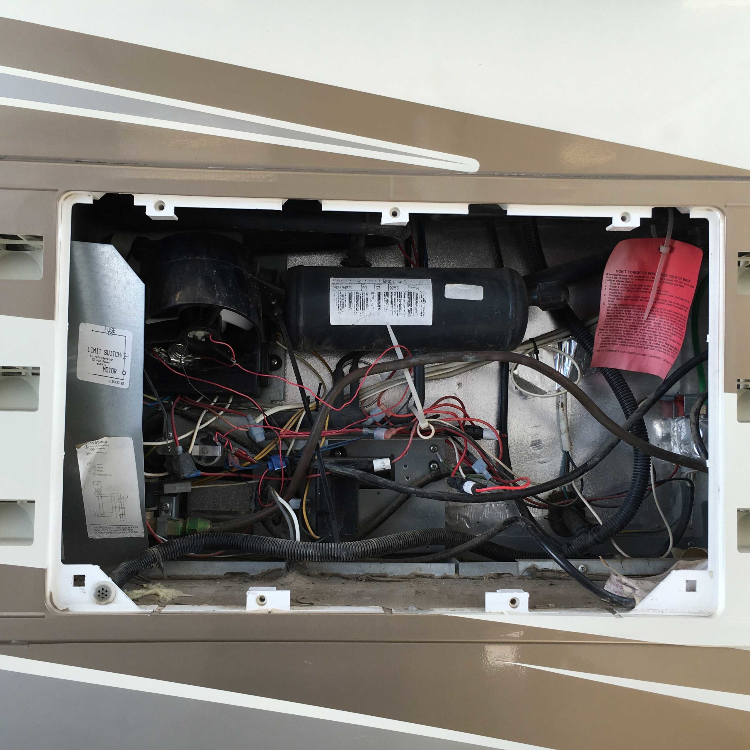 rv-trailer-motorhome-fridge-repair