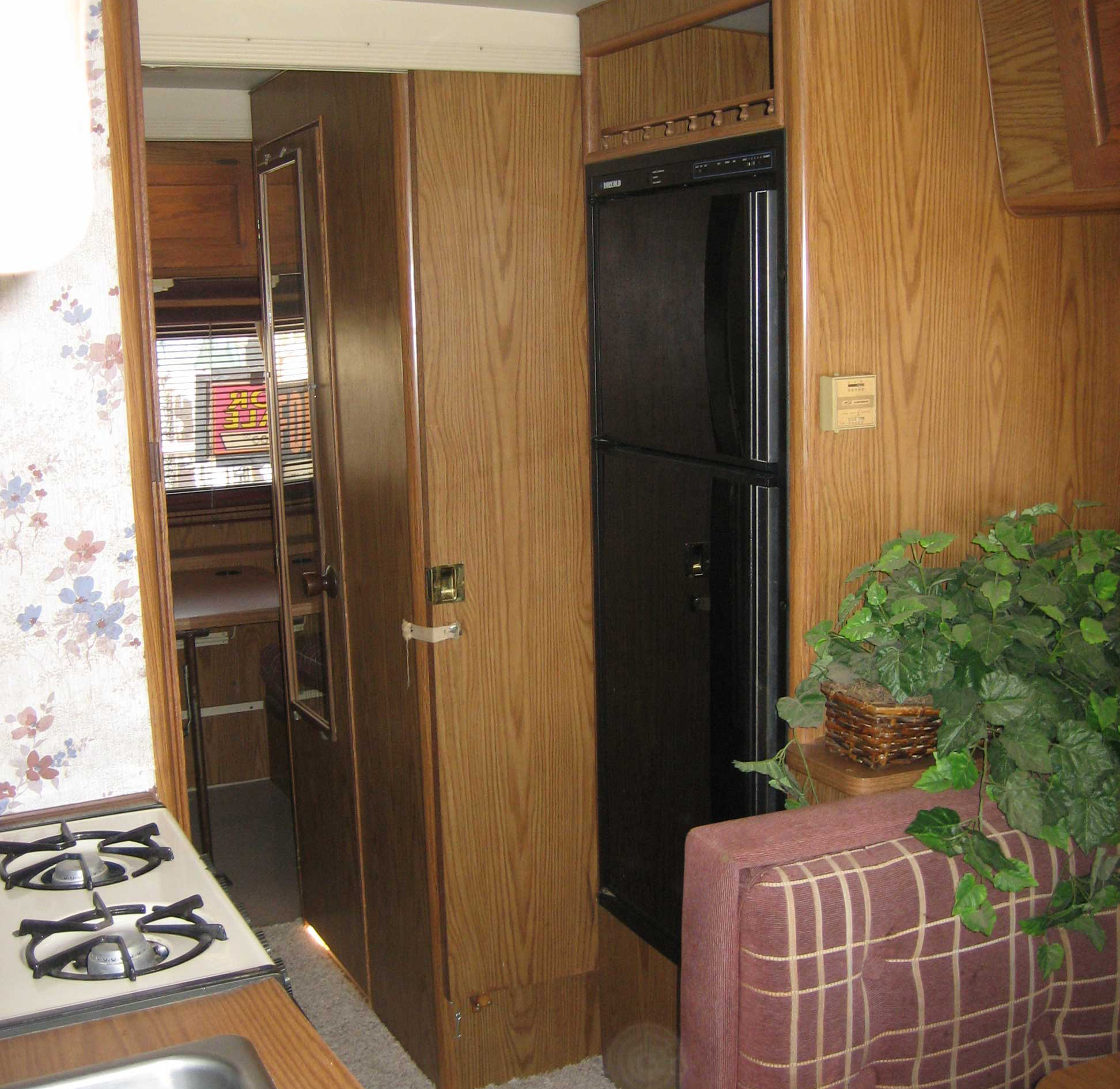 rv-trailer-motorhome-fridge-replace